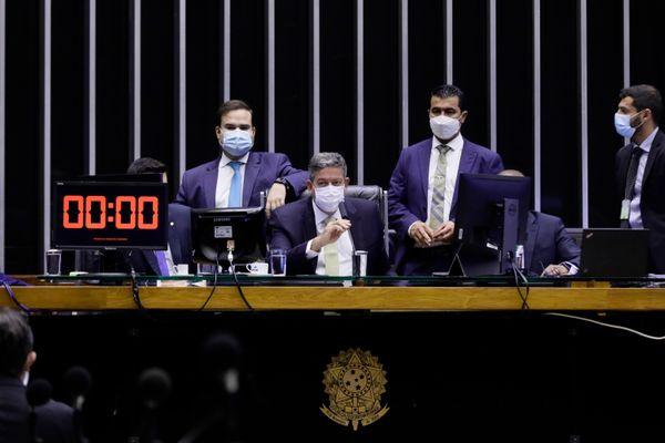 Câmara aprova PEC Emergencial em segundo turno